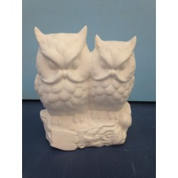 twin-owl-statue